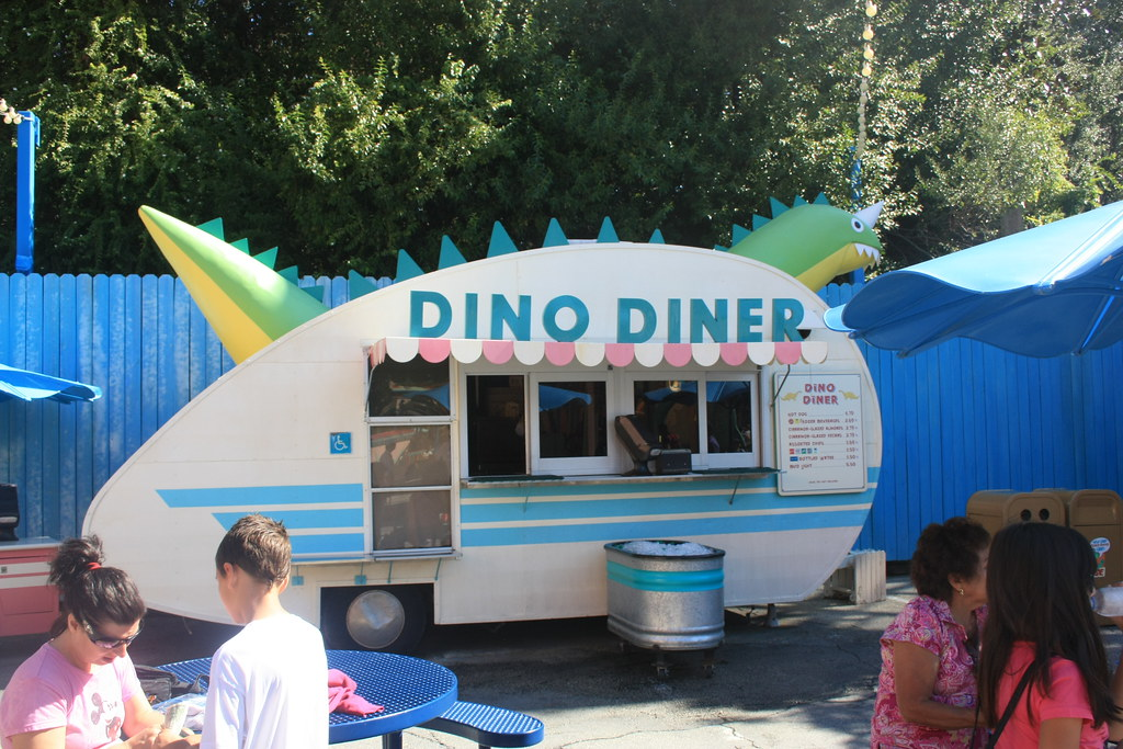 Dino Diner Animal Kingdom
