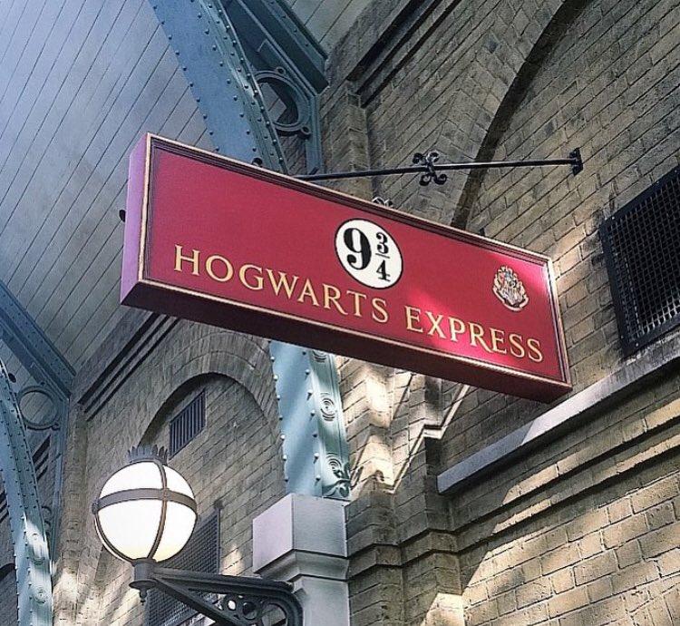 Hogwarts Express Platform 934