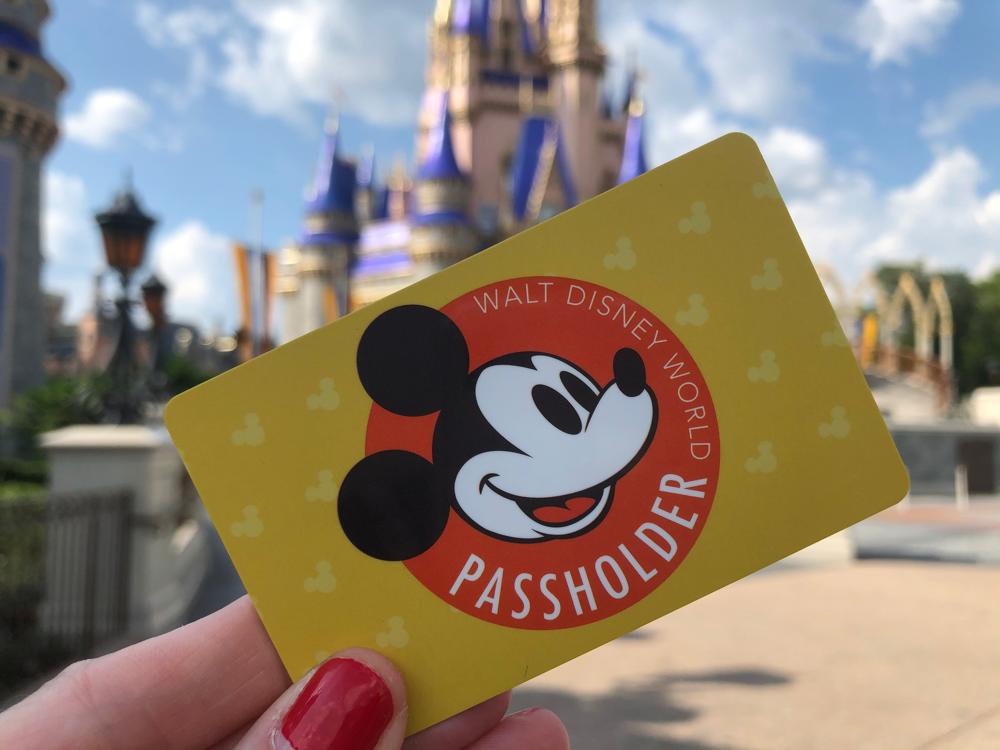 walt-disney-world-annual-passholder-card